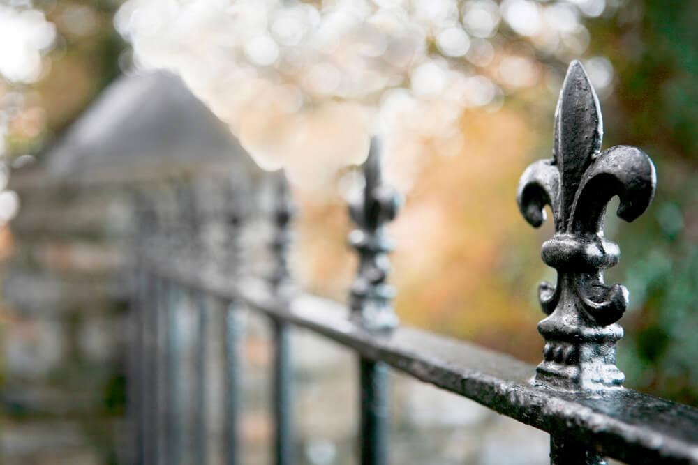 fence with fleur de lis